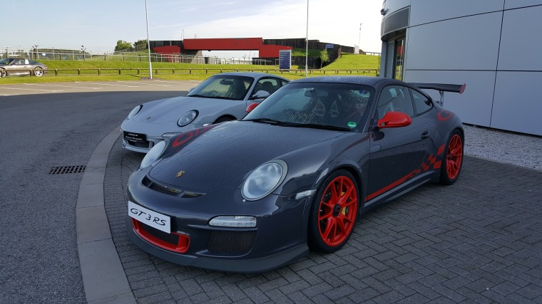 gt3rs-2412391_1920