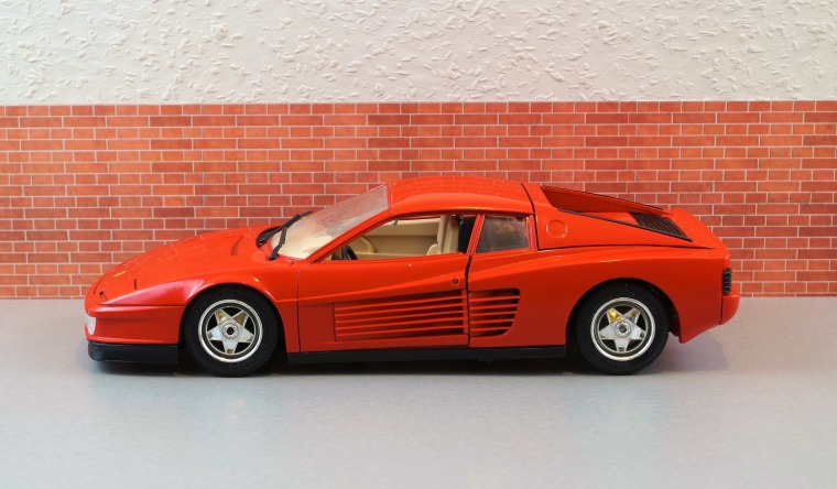 model-car-2059439_1920