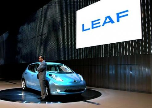 Nissan-Leaf-EV-493x349
