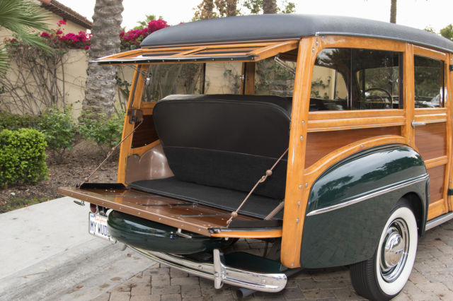 1948-ford-super-deluxe-woodie-wagon-5